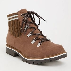 Torrid 10 11 Wide Boots Hiker Ankle Brown Knit New